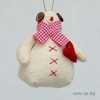 """Кукла ручной работы """"Снеговик"""" (с красным сердцем)"""
