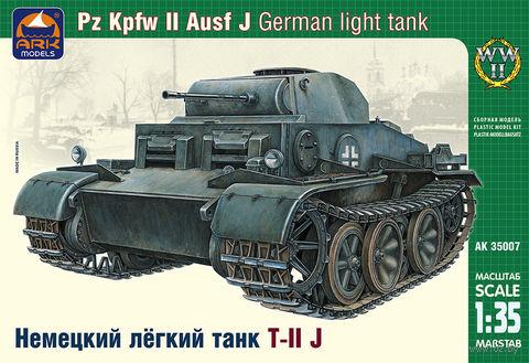 """Сборная модель """"Немецкий лёгкий танк T-II J"""" (масштаб: 1/35) — фото, картинка"""