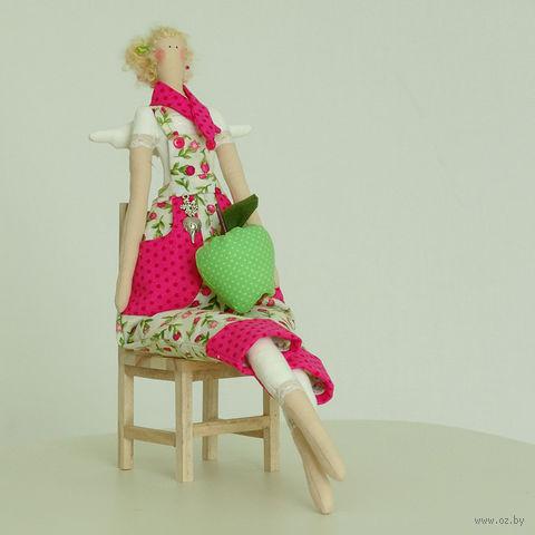"""Кукла ручной работы """"Девушка-садовник в розовом комбинезоне"""""""