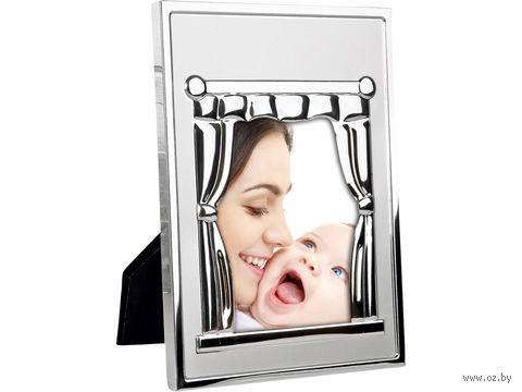 """Рамка металлическая """"Уют"""" в виде окна со шторами и карнизом — фото, картинка"""