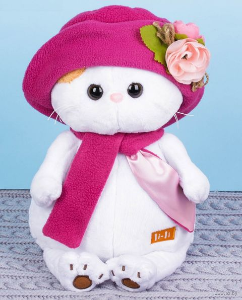 "Мягкая игрушка ""Кошечка Ли-Ли в панаме и шарфе"" (24 см) — фото, картинка"