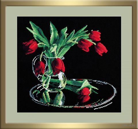 """Вышивка крестом """"Тюльпаны на черном"""" (350x320 мм) — фото, картинка"""