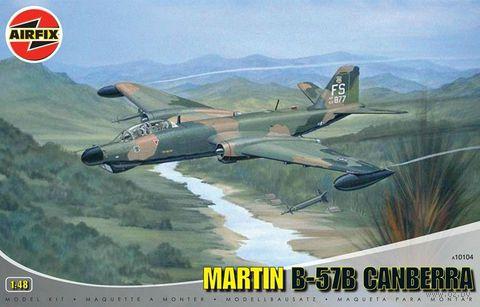 """Бомбардировщик и разведчик """" Martin B-57B Canberra"""" (масштаб: 1/48) — фото, картинка"""