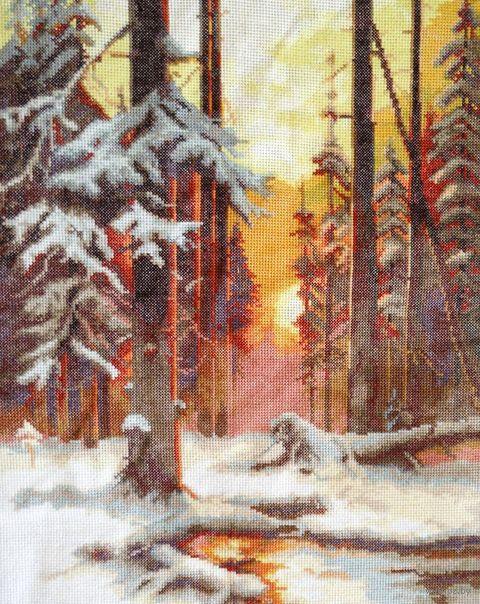 """Вышивка крестом """"Закат в снежном лесу"""" (240x310 мм) — фото, картинка"""