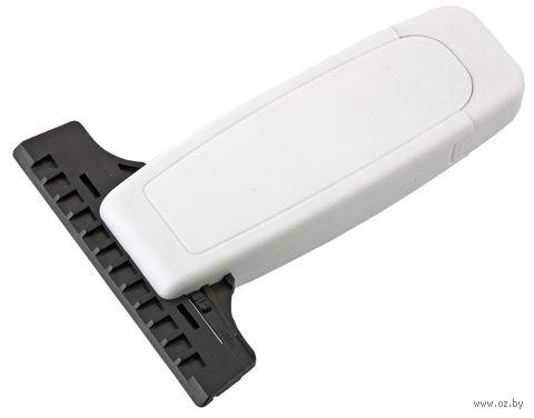 Скребок для очистки стекол автомобиля от снега и льда со сменной прорезиненной насадкой (белый)