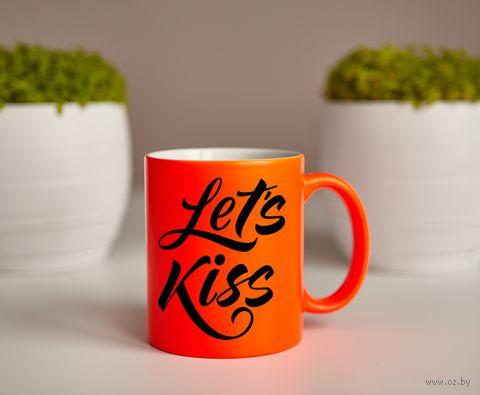 """Кружка """"Давай целоваться"""" (оранжевая) — фото, картинка"""