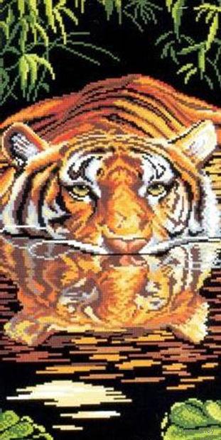 """Вышивка крестом """"Плывущий тигр"""""""