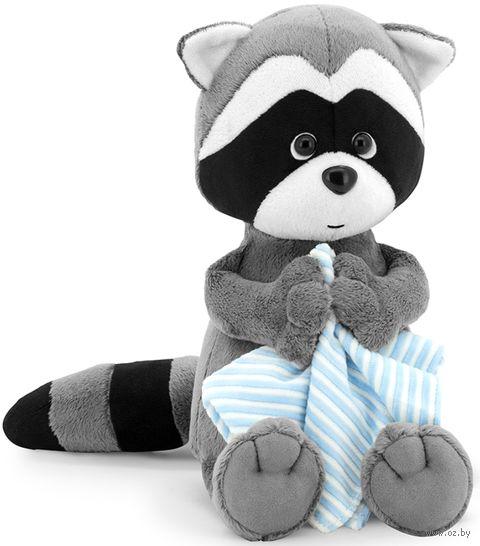 """Мягкая игрушка """"Енотик Дэнни с полотенцем"""" (30 см; арт. OS616/30) — фото, картинка"""